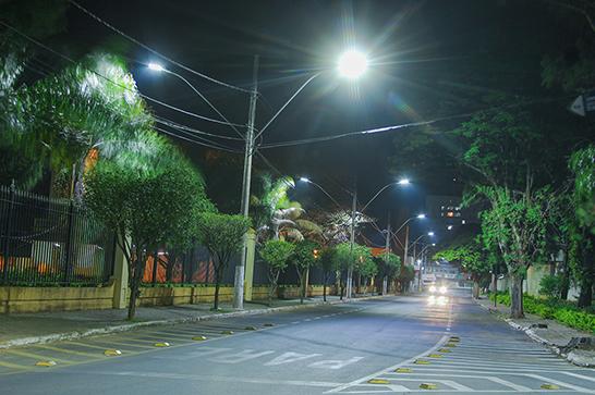 Prefeito sanciona lei municipal que obriga utilização de LED