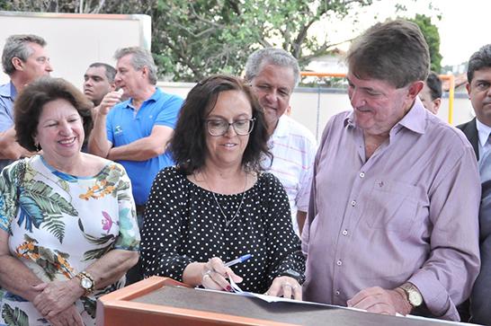 Cemei Dona Petrosa é inaugurado no bairro São Pedro 3