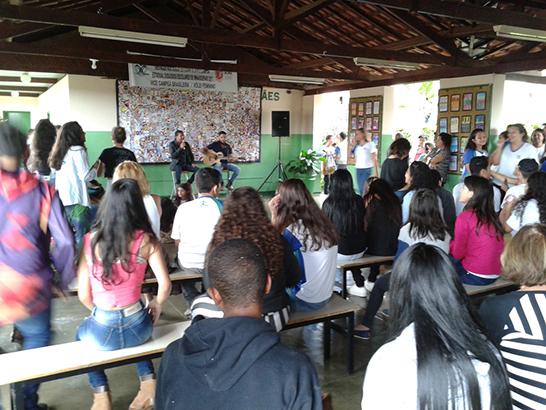 Feira de Ciências da Escola Estadual Maria de Magalhães promove integração de alunos e professores 3