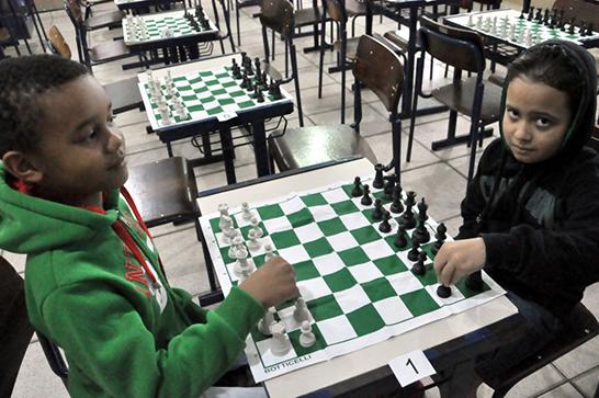 Disputas de xadrez e atletismo encerram Jogos Estudantis de Araxá 1