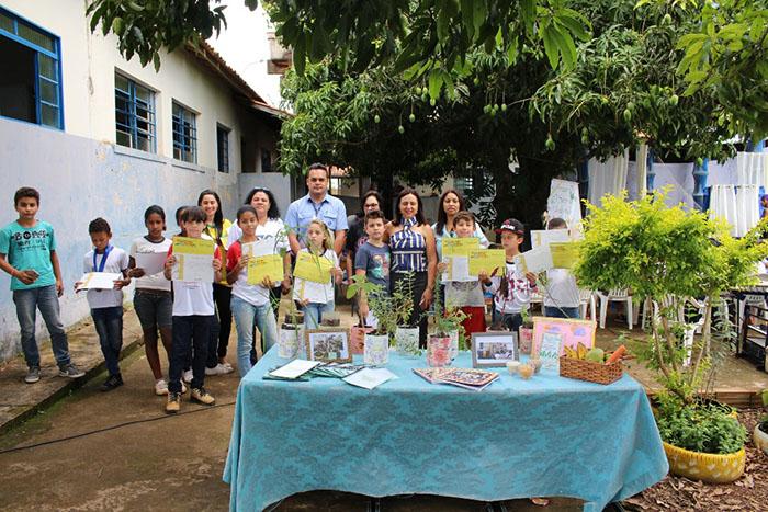 Projetos Sanitaristas Mirins e Cientistas do Cerrado formam 88 alunos da zona rural