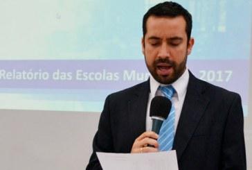 Vereador Raphael Rios fiscaliza todas as 38 escolas e creches municipais e apresenta relatório na tribuna
