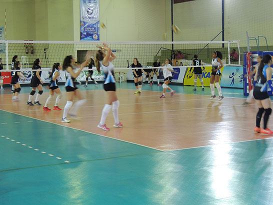 Final do Campeonato Brasileiro de Vôlei Feminino Sub 15 acontece neste sábado