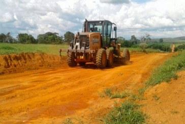 Serviços de recuperação de estradas vicinais