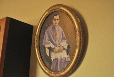 Família doa quadros de Dom José Gaspar para o acervo do Memorial de Araxá