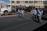 Entorno da rodoviária de Araxá recebe recapeamento asfáltico