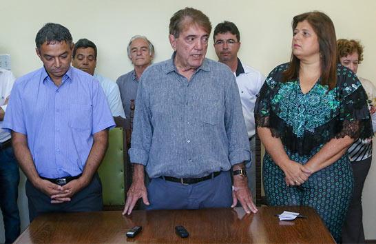 Prefeito Aracely dá posse à novaSecretária Municipal de Saúde