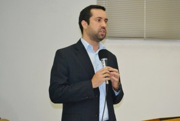 Raphael Rios propõe inclusão de atendimento prioritário para autistas e acompanhantes
