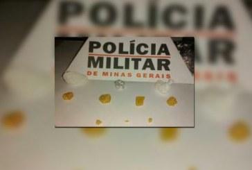 PM prende dois suspeitos de tráfico no bairro Pedra Azul