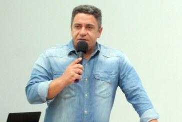 Robson Magela alerta os servidores da Prefeitura de Araxá para que lutem por seus direitos