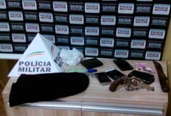 PM prende assaltantes e recupera pertences roubados em bar