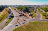 Greve dos caminhoneiros já compromete serviços de coleta de lixo e capina em Araxá