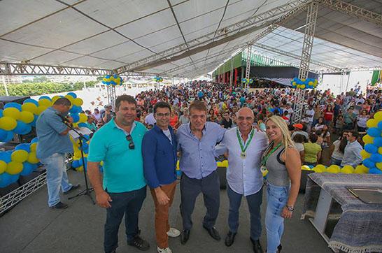 Festa em homenagem ao funcionário público municipal reúne cerca de 11 mil pessoas