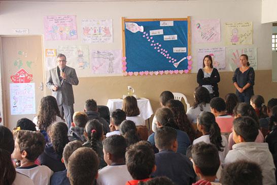 Secretaria de Educação promove palestra com Juiz Renato Zupo sobre segurança nas escolas