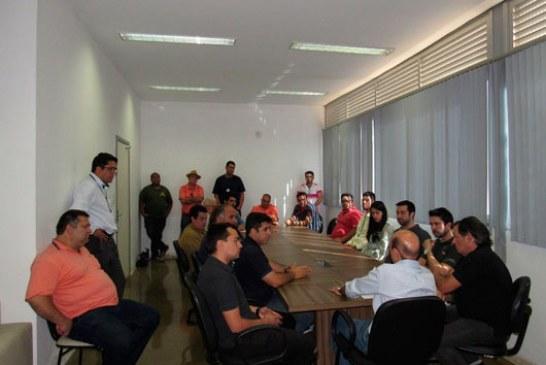 Câmara assina ordens de serviço para obras no prédio do Legislativo de Araxá