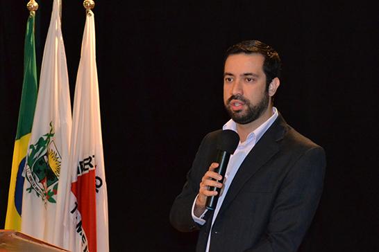 Raphael Rios propõe legislação que visa coibir queimadas em Araxá