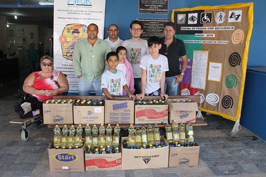 Clubes que participam do Campeonato Ruralão doam litros de óleo para entidades