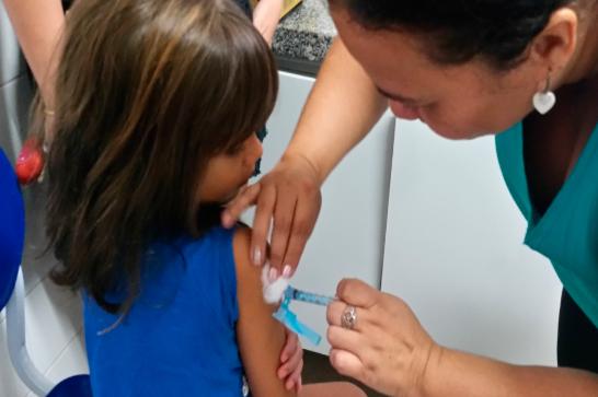 Atualização: Araxá chega a 70% da meta da Campanha de Vacinação Contra a Pólio e Sarampo