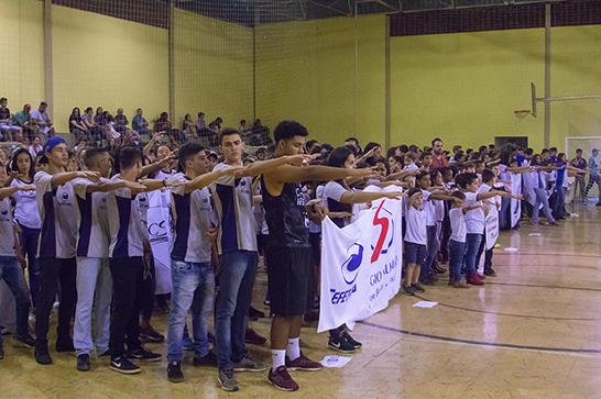 Jogos Estudantis reúnem de 3,5 mil alunos em Araxá