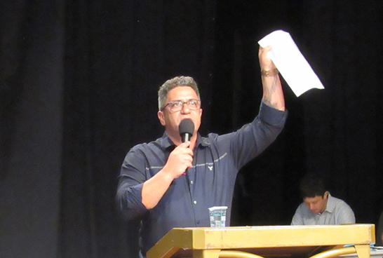 Robson Magela aborda a falta de pagamentos de professores