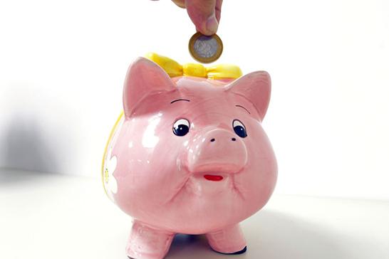 Maioria dos brasileiros que guardam dinheiro pensa em imprevistos