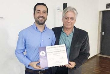 Vereador Raphael Rios recebe homenagem por atuação em defesa do Meio Ambiente