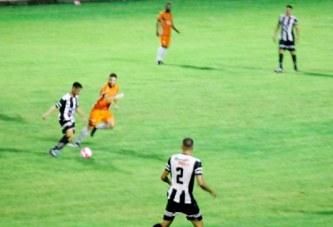 Araxá perde para o Coimbra em casa e se distancia de retorno ao Módulo 2