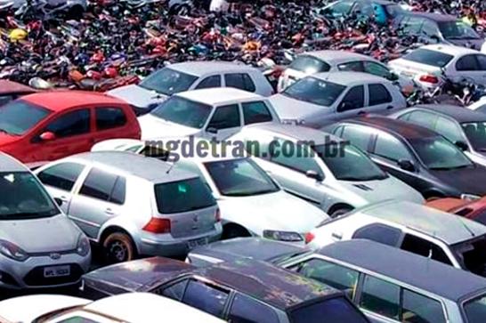 Polícia Civil de Araxá entrega alvarás de liberação de veículos arrematados em leilão