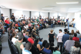 Mais de 100 famílias recebem escrituras de suas casas