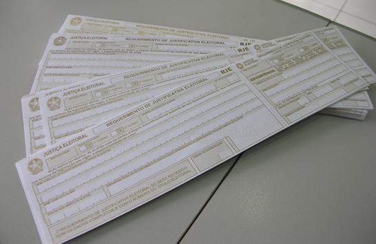 Eleitores podem solicitar certidão de quitação eleitoral pela internet