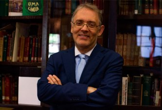 Sempre Um Papo encerra atividades de 2018 em Araxá com Marco Lucchesi, presidente da ABL