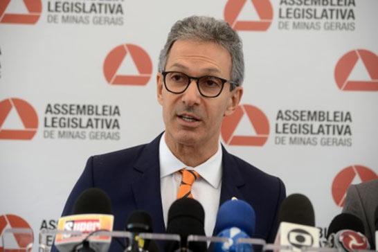 Romeu Zema anuncia forma de pagamento do 13° salário dos servidores estaduais que está em atraso