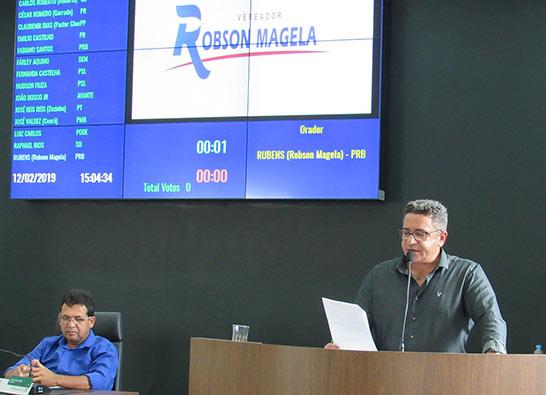Robson Magela solicita Fórum Comunitário para debater situação de servidores da Educação