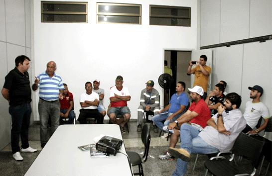 Administração Municipal promove reunião com equipes do Ruralão