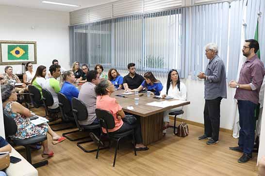 Raphael Rios promove reunião técnica com entidades