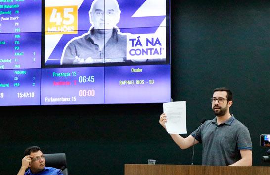 Raphael Rios cobra informações sobre os R$ 45 milhões anunciados por deputado
