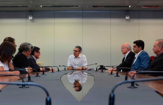 Romeu Zema assina protocolo de intenção para investimentos de R$ 1,3 bilhão em Minas Gerais