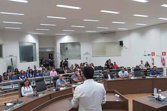 Câmara promove início das atividades do programa Parlamento Jovem de Minas