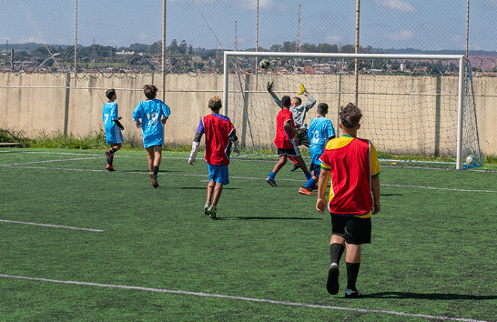 Prefeitura promove treinamentos esportivos no Centro Educacional Pedro Bispo