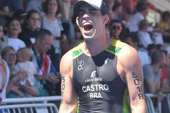 Egresso da Fundação Rio Branco, Jhonathan Castro conquista 3º lugar no Ironman