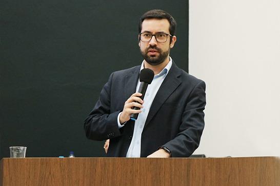 Emenda do vereador Raphael Rios garante recursos para fundos da infância e do idoso em Araxá