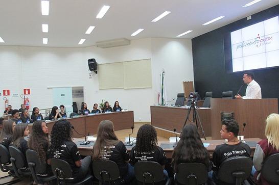 Câmara recebe Plenária Municipal do Parlamento Jovem