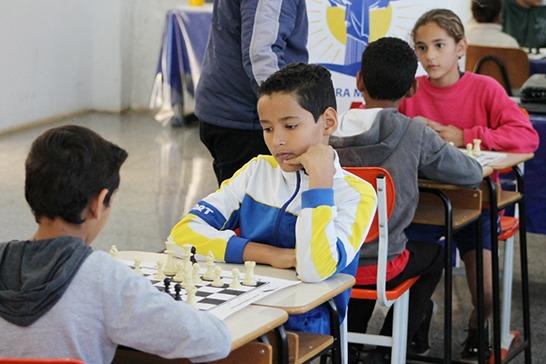 Torneio Relâmpago de Xadrez movimenta as unidades de ensino