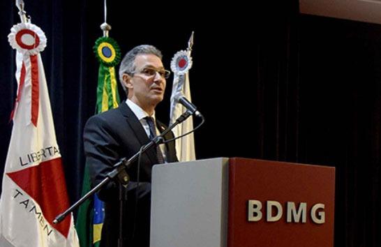 Romeu Zema lança Programa Minas Atende
