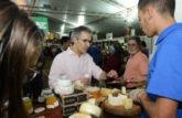 Romeu Zema entrega Selo Arte a produtores do Queijo Minas Artesanal