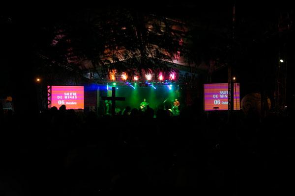 Cronograma em escolas, instituições e show de forró no Tri Ciclo em Araxá