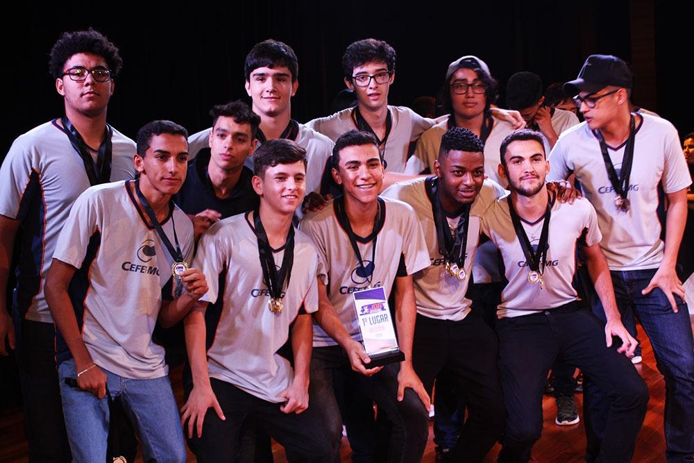 Colégio São Domingos premia escolas e atletas que participaram dos JDA 3