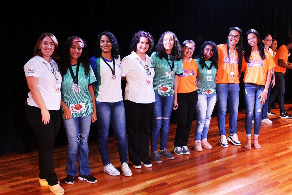 Colégio São Domingos premia escolas e atletas que participaram dos JDA 7