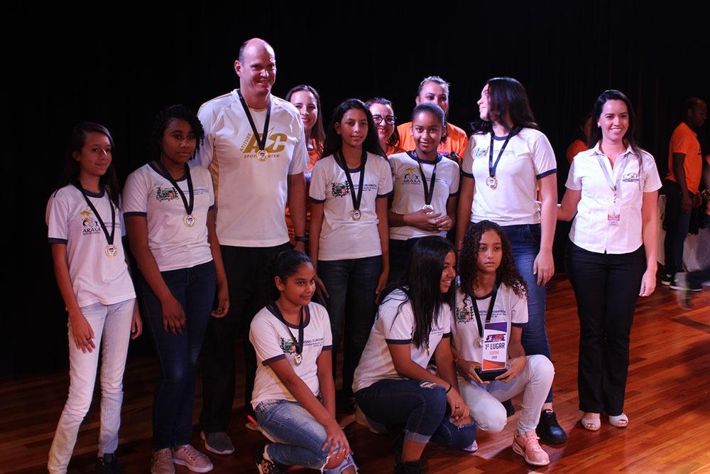 Colégio São Domingos premia escolas e atletas que participaram dos JDA 9