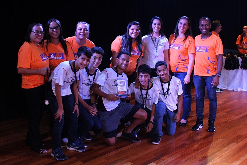 Colégio São Domingos premia escolas e atletas que participaram dos JDA 10